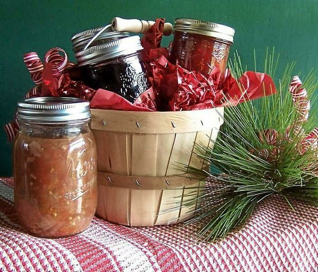 Blackberry and strawberry fig jams make delicious gifts at Christmas ...