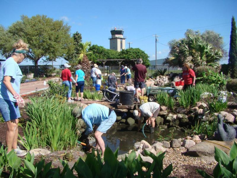 Becoming A Master Gardener Working Together